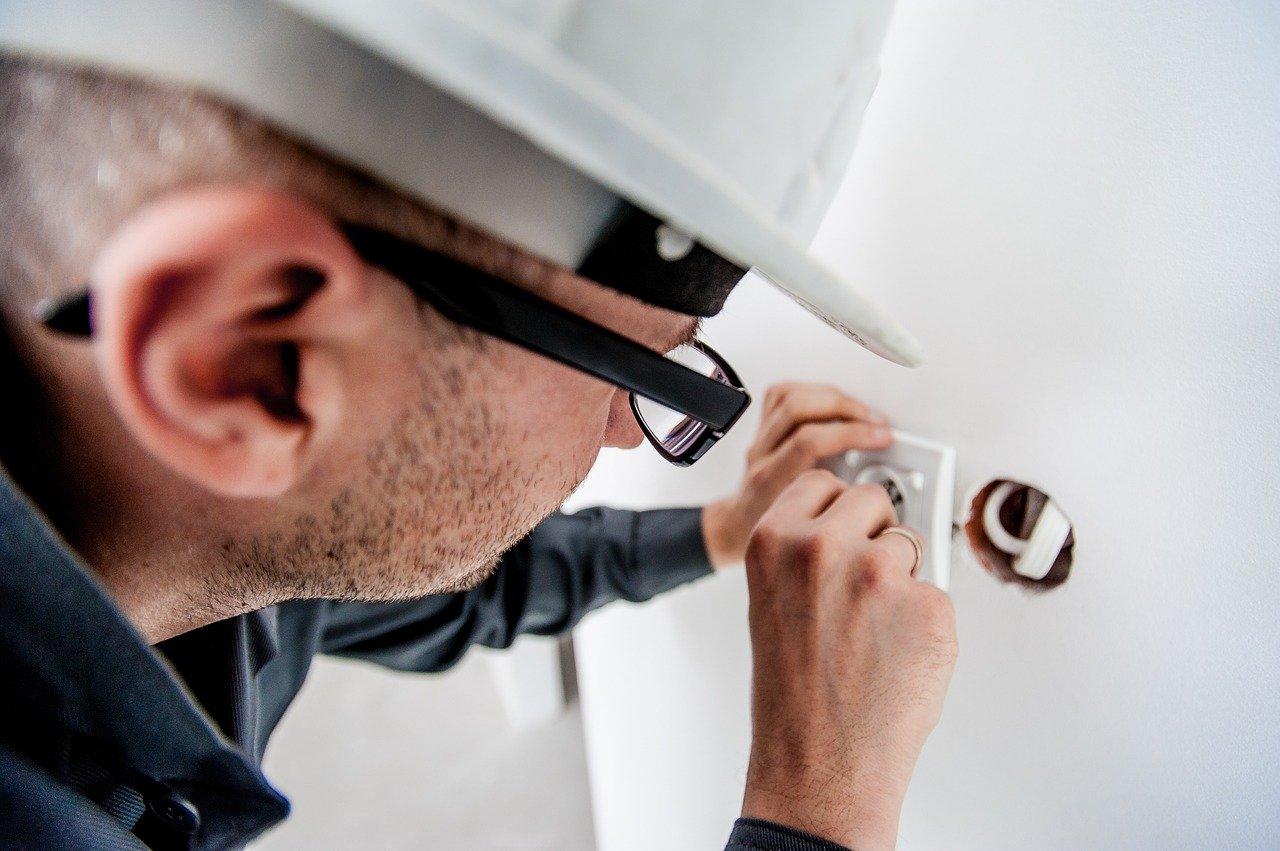 comment remplacer installation electrique vieille maison