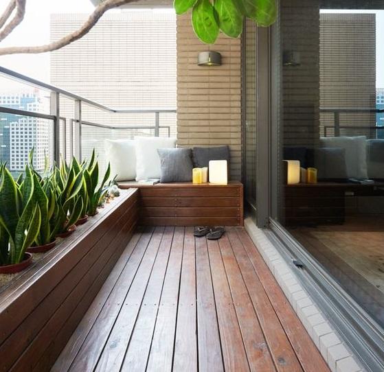 Reformez votre terrasse.  Terrasse couverte de bois