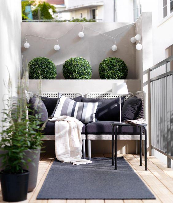 Reformez votre terrasse.  Terrasse rénovée avec parquet